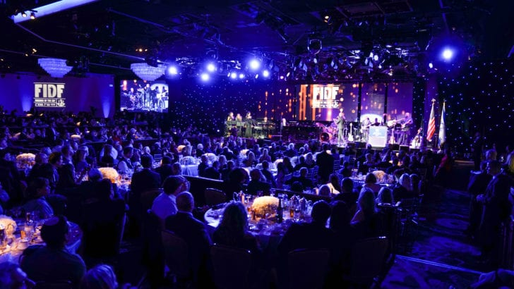 Los Angeles gala raises $53.8 Million for Israeli soldiers [videos]