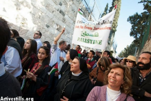 Israeli Soldiers Attack Palestinian Christians during Palm Sunday Procession (VIDEOS)