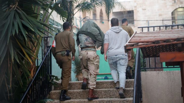 Ha'aretz: Israeli soldiers beat a detained Palestinian and made his son watch: 5 Indicted for abuse