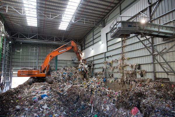 Israeli Forces Seize Palestinian Garbage Trucks, Detain Drivers