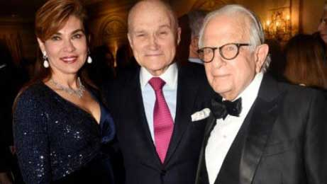 Socialite Lauren Vernon, NY City Police Commissioner Ray Kelly, and financier Larry Leeds at 2019 WJC gala.