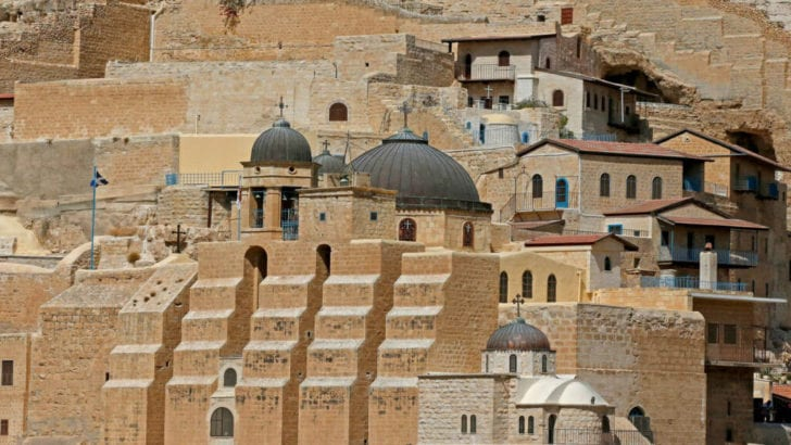 Hundreds of Israelis disrupt prayers in oldest Christian monastery In Palestine