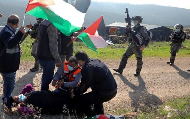 Dec. 14-17: Israelis abduct, injure, attack & shoot Palestinians in West Bank & Gaza
