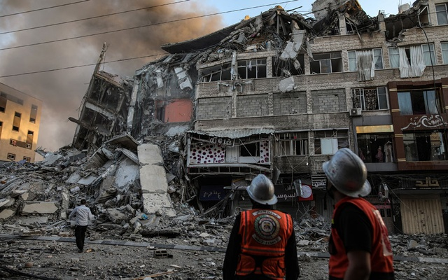 Updated casualty figures from Gaza, Israel; US blocks UN statement, Israel targets journalists
