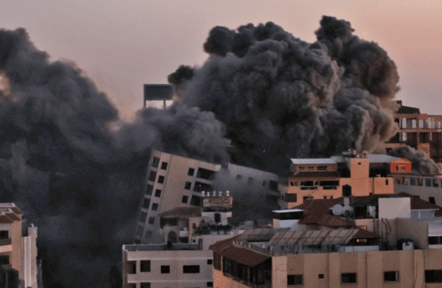 Israeli airstrikes on Gaza continue, hundreds now homeless